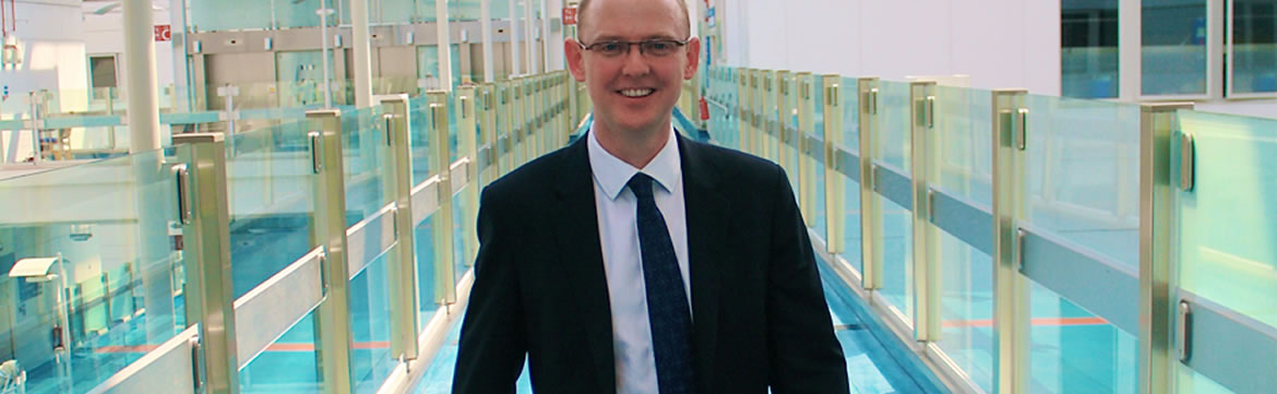 Andrew Roche - Consultant Orthopaedic and Trauma Surgeon